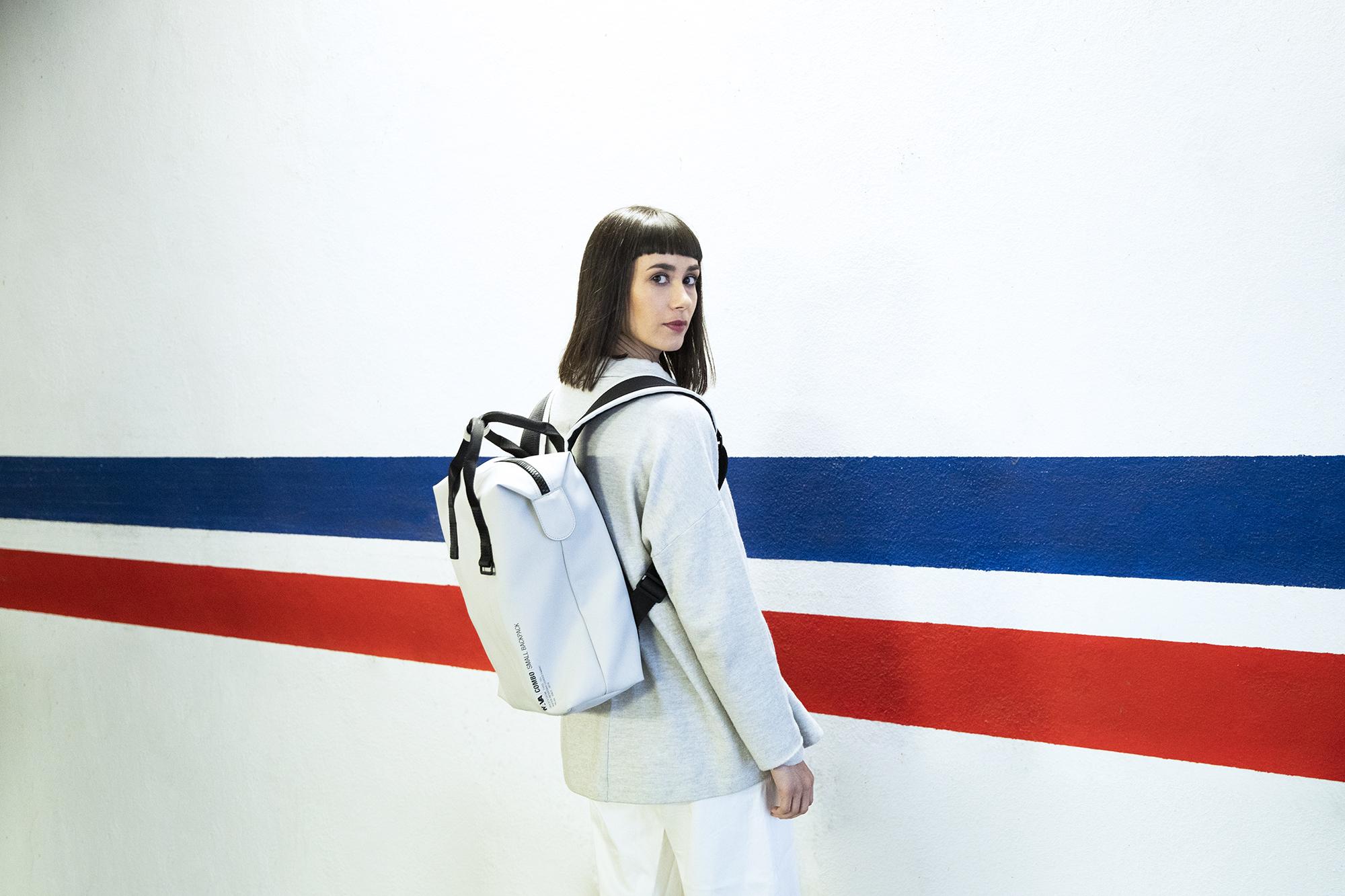 (Italiano) COMBO, la nuova linea di borse-zaino di Nava Design